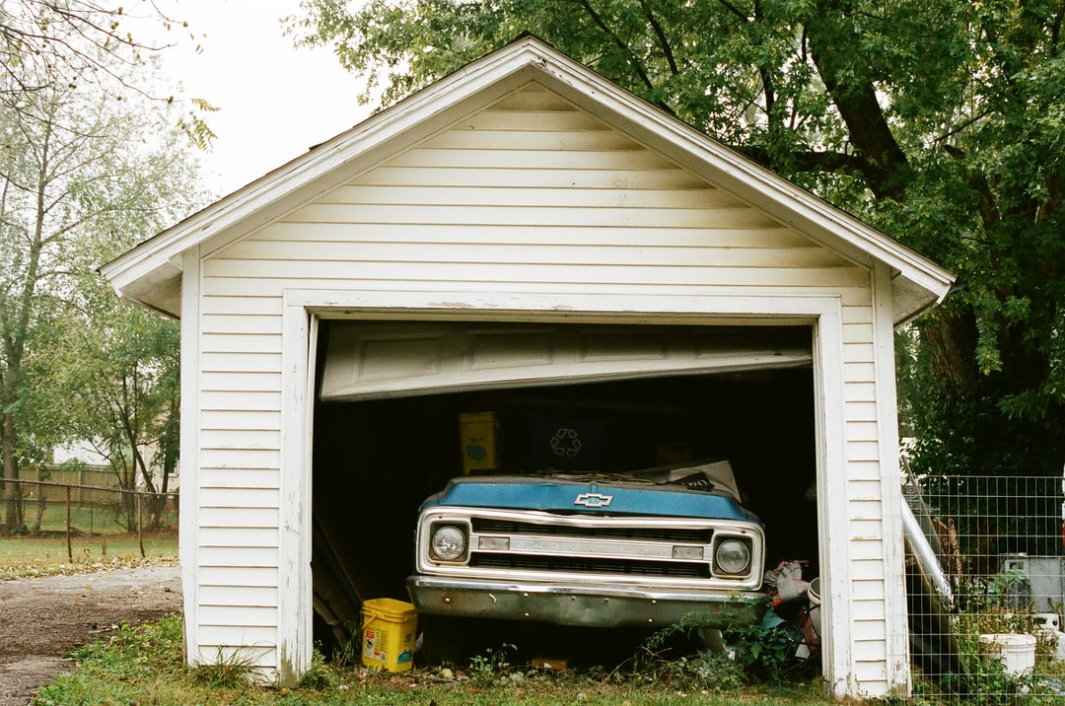 car_used_garage